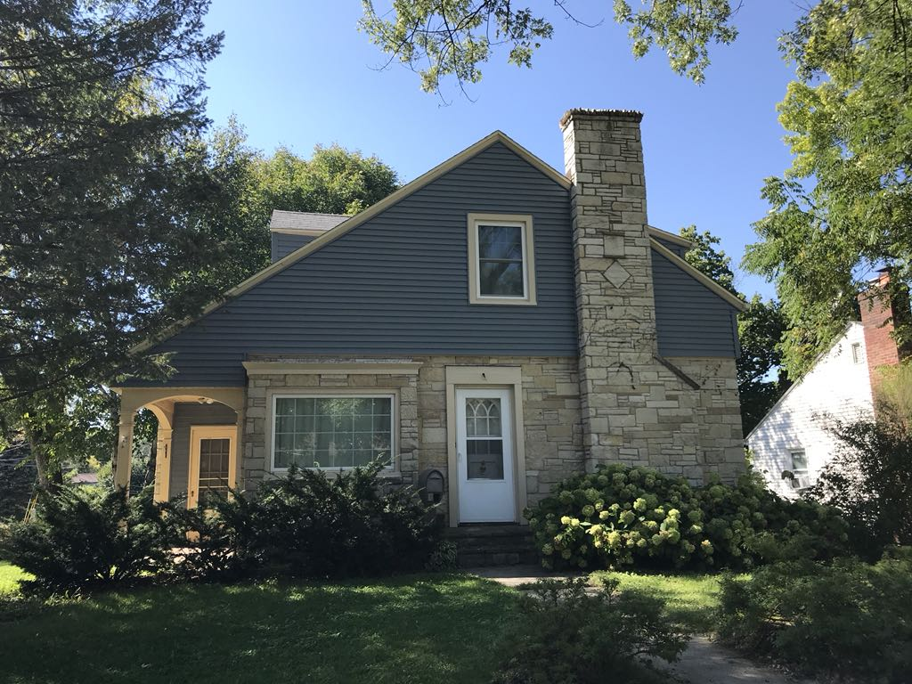 Upgraded Vinyl Siding Replacement